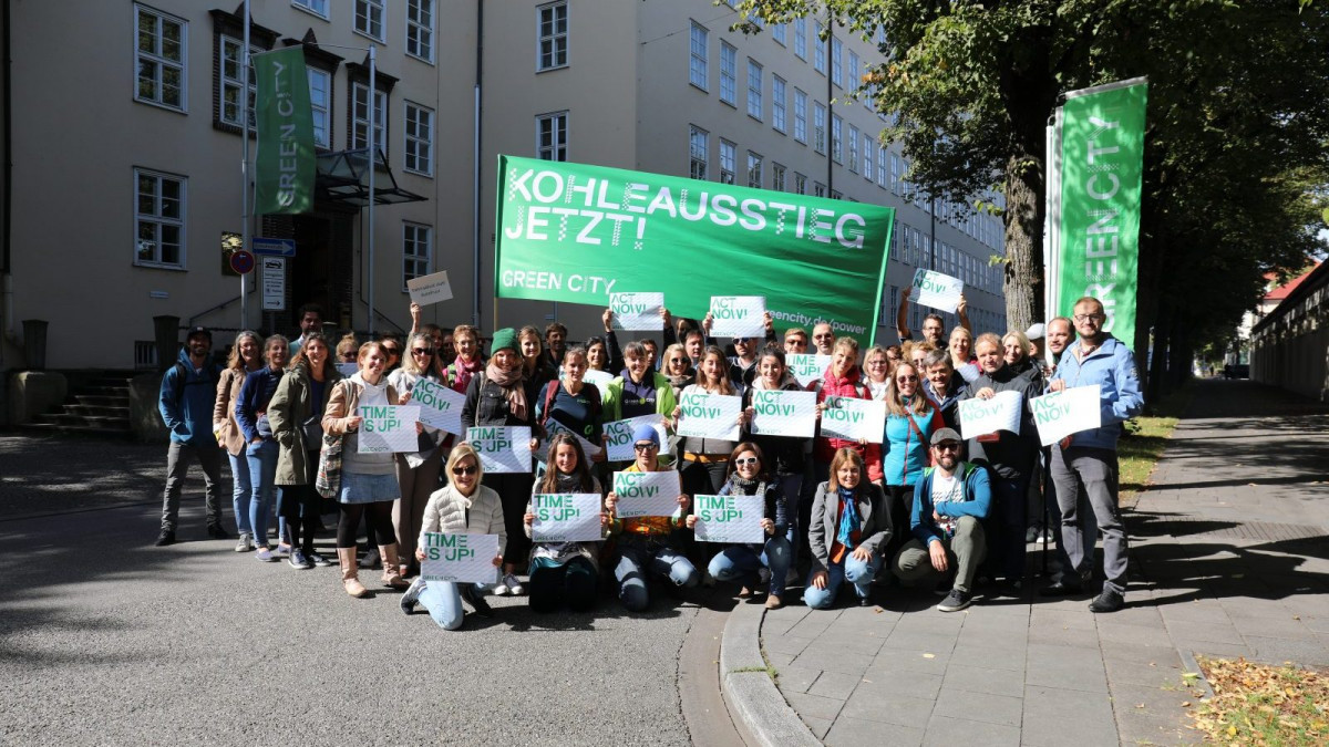 Green City employees demonstrate for climate change